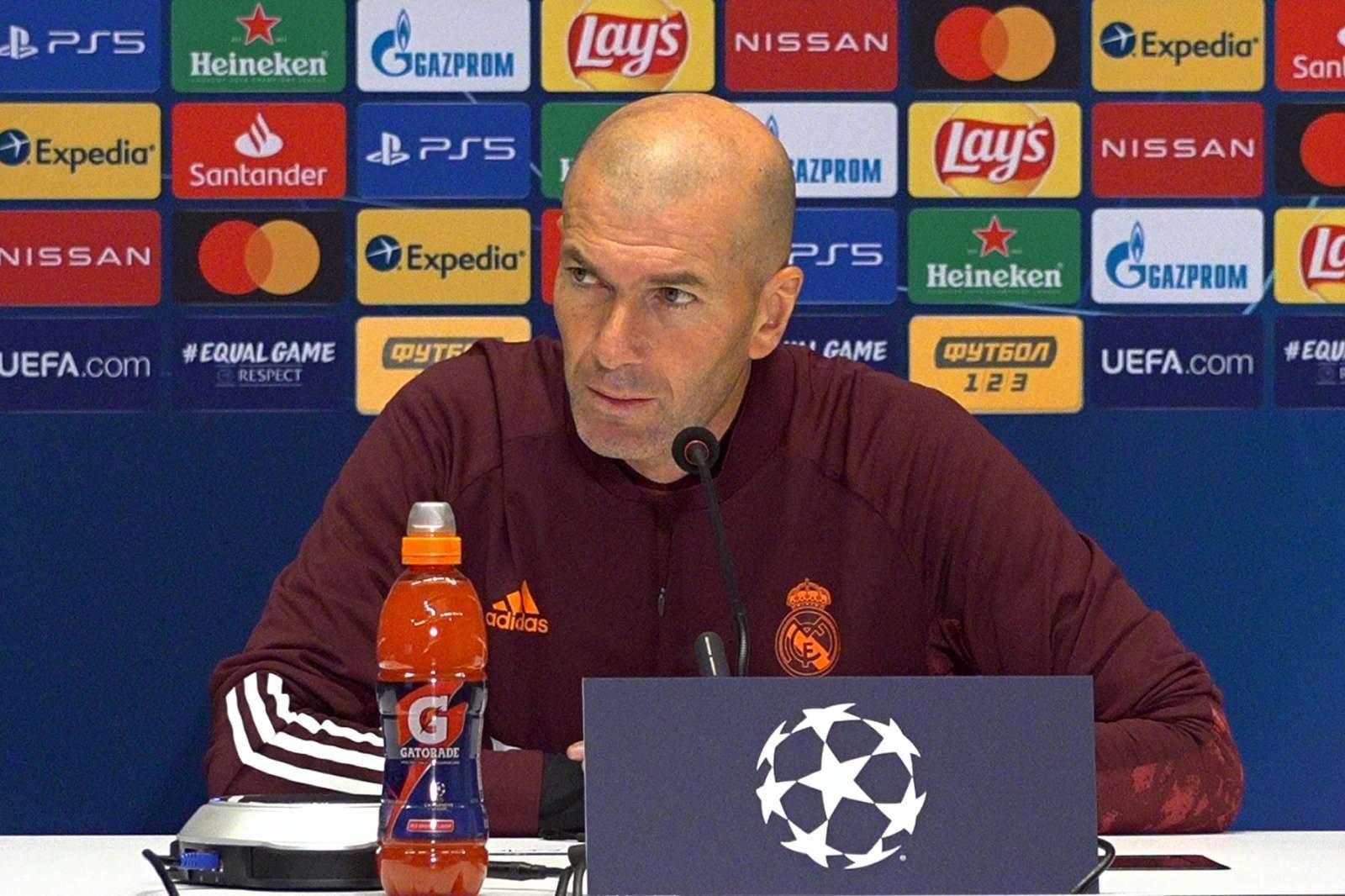Зидан не общается с игроками «Реала» несколько месяцев