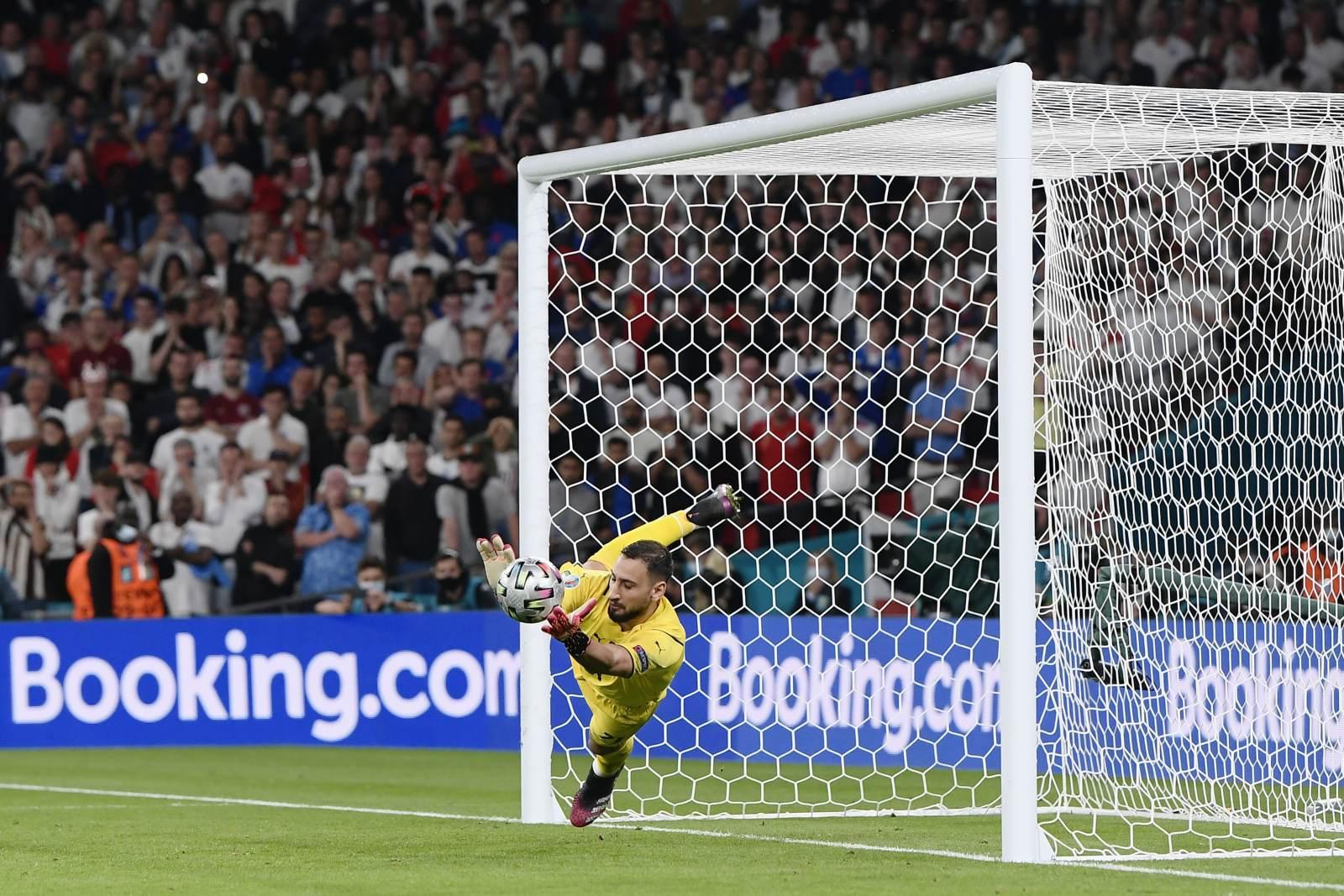 Доннарумма объяснил, почему с опозданием стал праздновать победу в финале Евро-2020