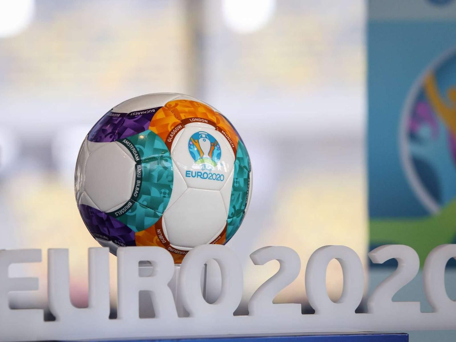 УЕФА обязан перенести чемпионат Европы по футболу на 2021 год
