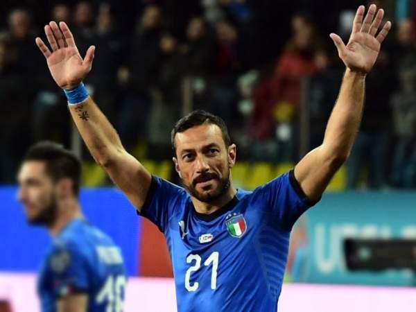 Сколько лет было игрокам сборной Италии, когда Квальярелла дебютировал в Серии А