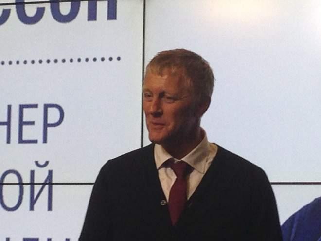 Хадльгримссон ушел споста основного тренера сборной Исландии пофутболу