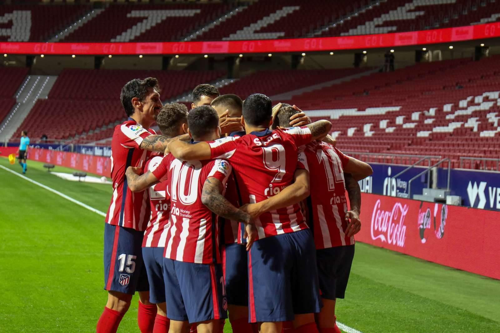 «Атлетико» и «Барселона» назвали составы