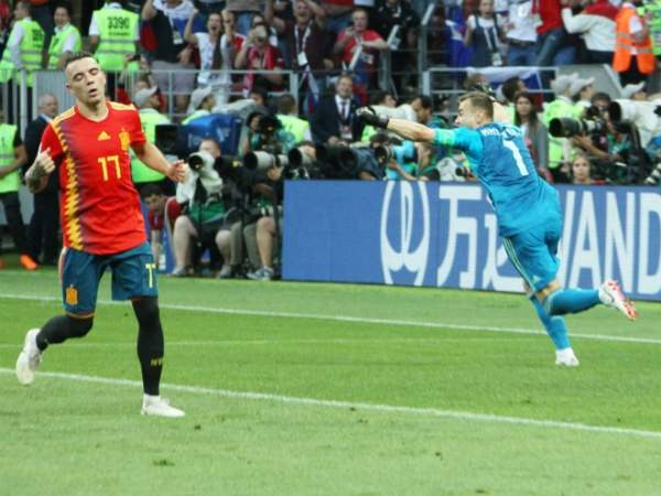 """Акинфеев: """"После матча с Испанией боялся за свою ногу, чтобы меня в землю там не воткнули"""""""