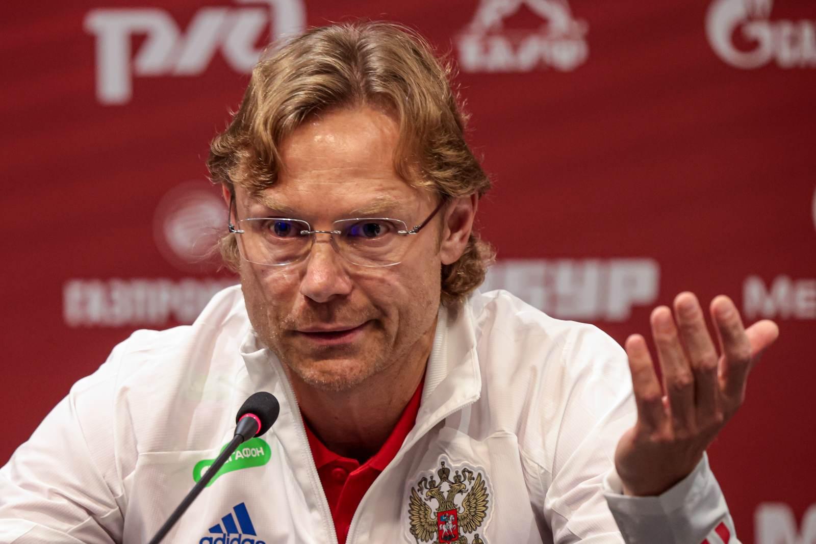 Карпин огласил окончательную заявку сборной – в ней не нашлось места Караваеву, Зиньковскому и Бакаеву