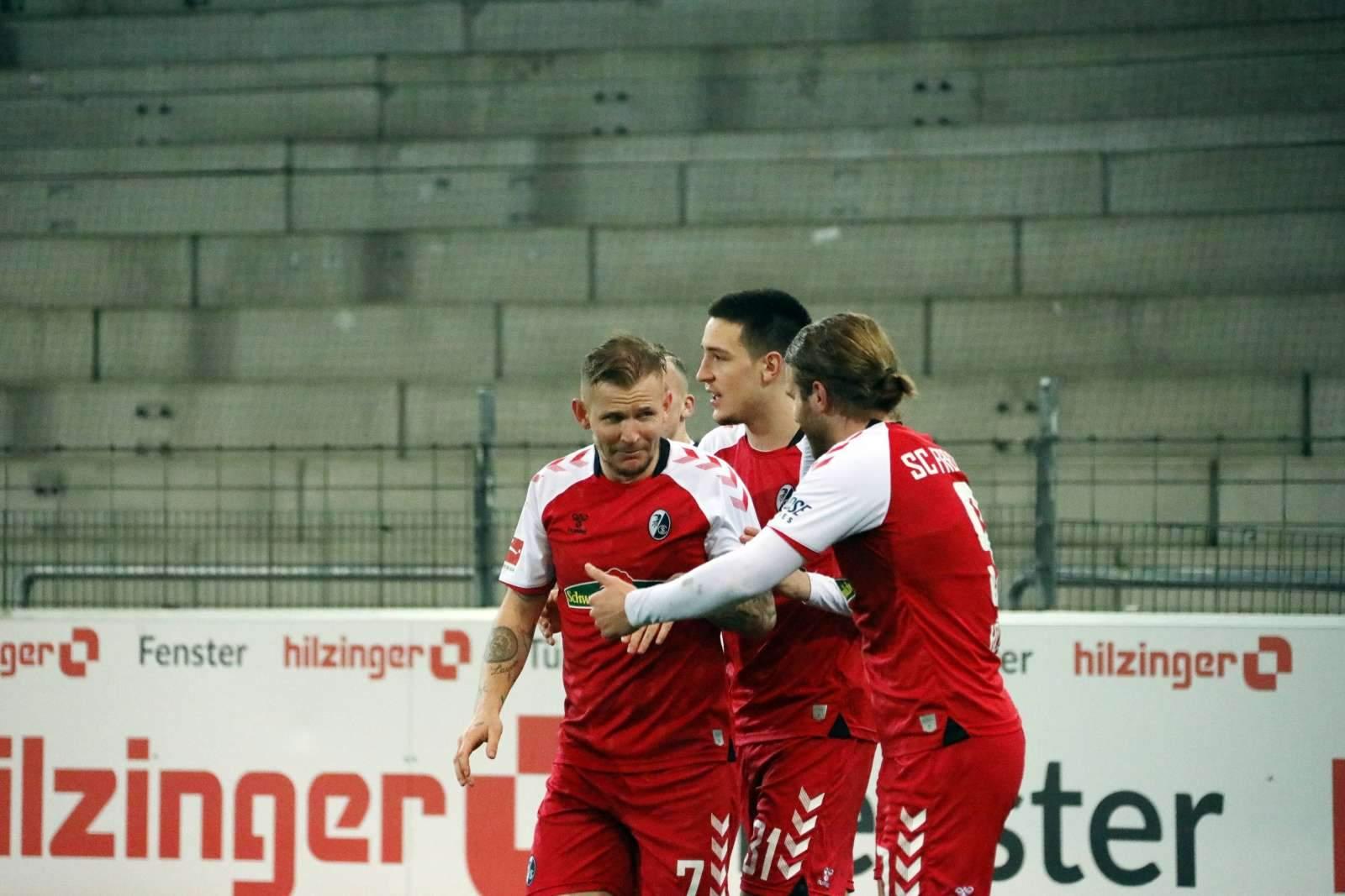 «Фрайбург» крупно переиграл «Аугсбург»