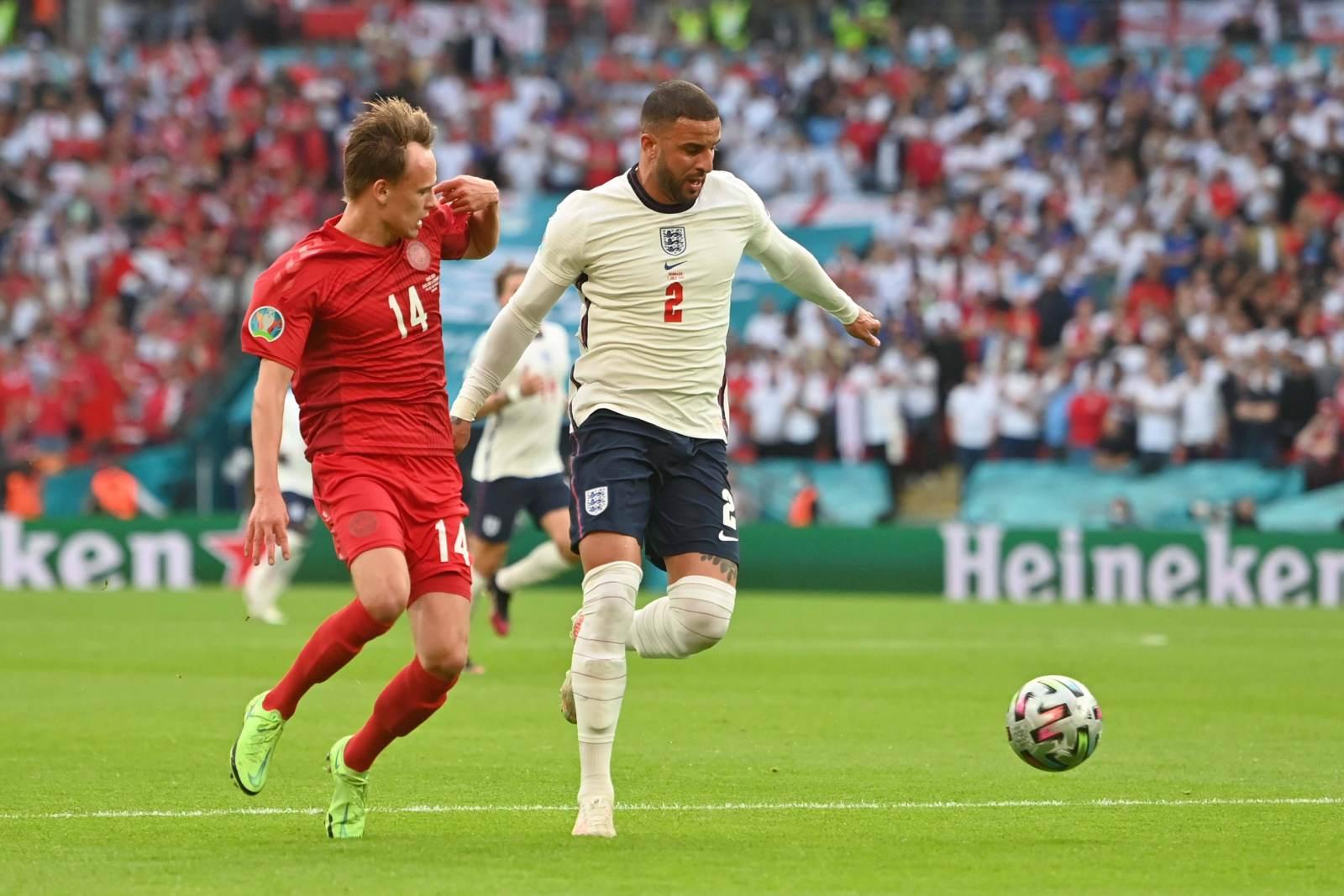 ФИФА начала расследование по матчу Польша – Англия, Уокера могли оскорбить на почве расизма