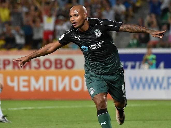 «Краснодар» сделал первый шаг к победе над «Арсеналом», Ари открыл счёт - видео