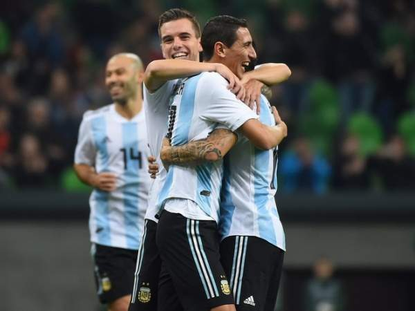 Аргентина и Чили одержали уверенные победы в спаррингах