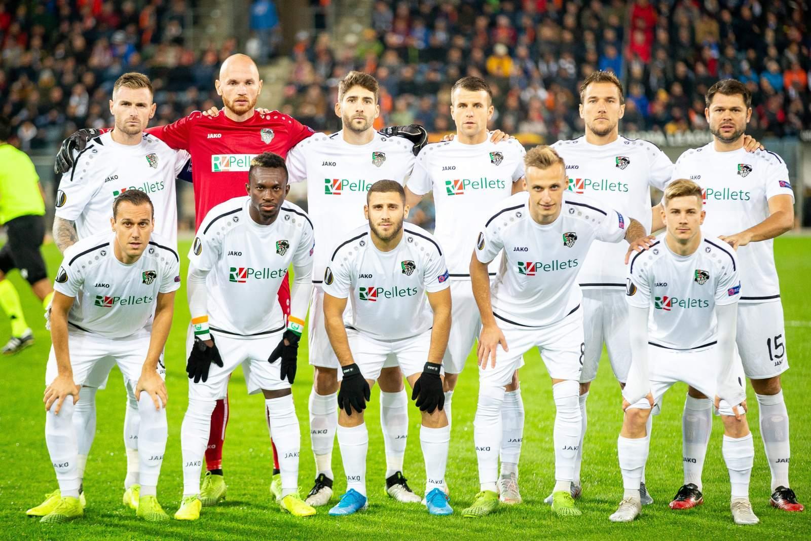 Президент «Вольфсбергера» постригся налысо после выхода команды в плей-офф Лиги Европы
