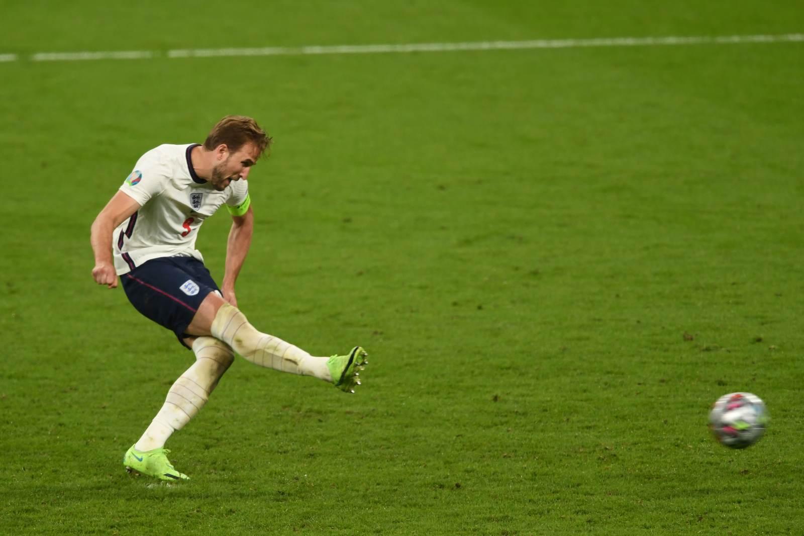 Кейн - первый футболист в истории Евро, не забивший пенальти в овертайме