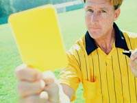 В Аргентине отменили футбольный матч после двенадцати красных карточек