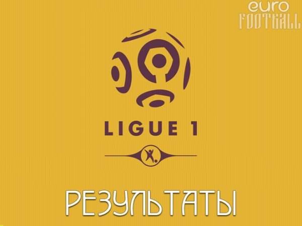 """""""Лион"""" за минуту упустил перевес в два гола и победу, играя со """"Страсбургом"""""""