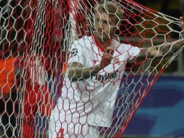 «Милан» выкупил Кьяера у «Севильи»