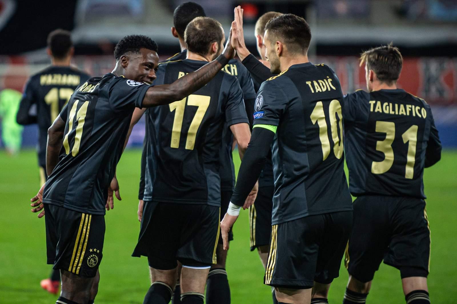 УЕФА заставил «Аякс» изменить форму, созданную в честь Боба Марли