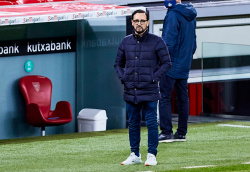 Тренер Валенсии протестует против пенальти в ворота своей команды