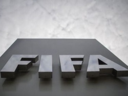 Блаттер подаст в суд на Инфантино и ФИФА