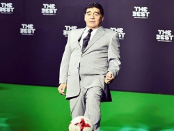 Марадона добыл первую победу у руля «Химнасии» и отпраздновал это зажигательным танцем