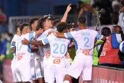Фанаты Анже и Марселя устроили массовую драку на стадионе