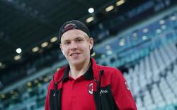 Милан не устроило предложение по Хёуге