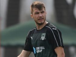 «Млада» разгромлена «Спартой», Комличенко получил красную карточку