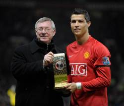 Роналду заявил, что Фергюсон сыграл особую роль в его возвращении в Манчестер Юнайтед
