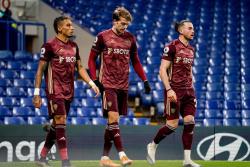 Футболисты Лидса вышли на разминку перед матчем с Ливерпулем в футболках с логотипом Лиги чемпионов