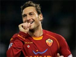 Тотти стал самым возрастным футболистом, забивавшем в Лиге чемпионов