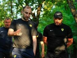 """Адиев: """"Номинально правого защитника или латераля я не имею, поэтому там играет нападающий Ахъядов"""""""