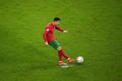 Роналду снова выбросил капитанскую повязку