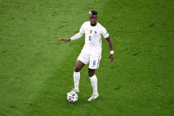 Павар оскорбил Погба во время матча сборной Франции
