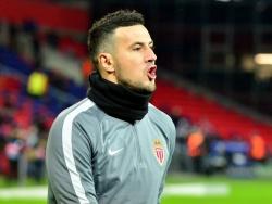Вратарь «Монако» Субашич получил красную карточку, находясь на скамейке запасных