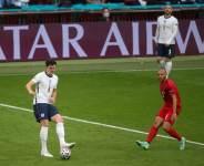 Отцу Магуайра сломали два ребра перед финалом Евро-2020