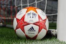adidas представил мяч финала Лиги чемпионов 2011 года