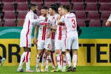 «Кёльн» одолел «Аугсбург» в результативном матче