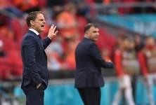 Де Бур объяснил свой уход с должности тренера сборной Голландии