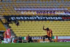 Игроки АПЛ продолжат вставать на колено перед матчами