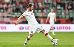Крыховяк стал первым удалённым футболистом на чемпионате Европы