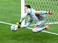 Жулио Сезар - герой матч Бразилия - Чили