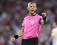 Судья Бьорн Кёйперс, отработавший в финале Евро-2020, завершает карьеру