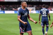 Спорный пенальти принёс «ПСЖ» волевую победу: ВАР спас парижан от осечки без Месси и Неймара