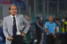 Манчини перед матчами сборной Италии общается с астрологом