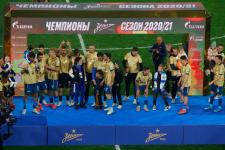 Скандалы, интриги и снова скандалы: каким получился футбольный сезон в России