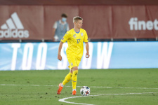 Зинченко советовался с Гюндоганом как играть против Северной Македонии