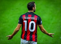 Чалханоглу: «Я не первый и не последний, кто играл в обеих миланских клубах»