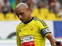 Роберто Карлос провёл дебютный матч в мини-футболе и забил два мяча