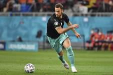 ВАР отменил гол Арнаутовича в ворота Италии