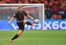 «Барселона» обсуждает с Райолой трансфер де Лихта