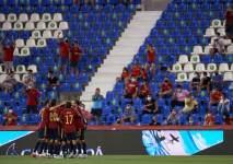 Сборные Испании и Швеции назвали стартовые составы