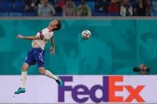 Фернандес будет готов к матчу против Дании